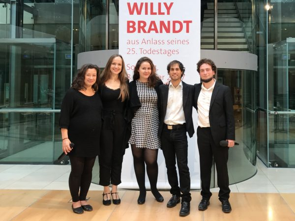 VocaYou singt im Willy Brandt Haus